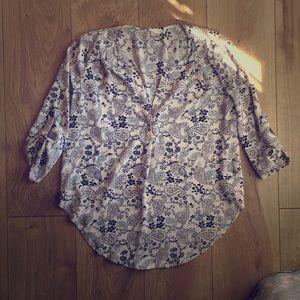 Lush small 3/4 sleeve blouse